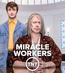 Steve Buscemi es un Dios fabuloso en 'Miracle Workers'